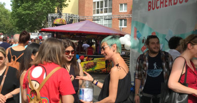 Encounters at the Library Bus. Lesbian Gay Street Festival 2019 in Schöneberg